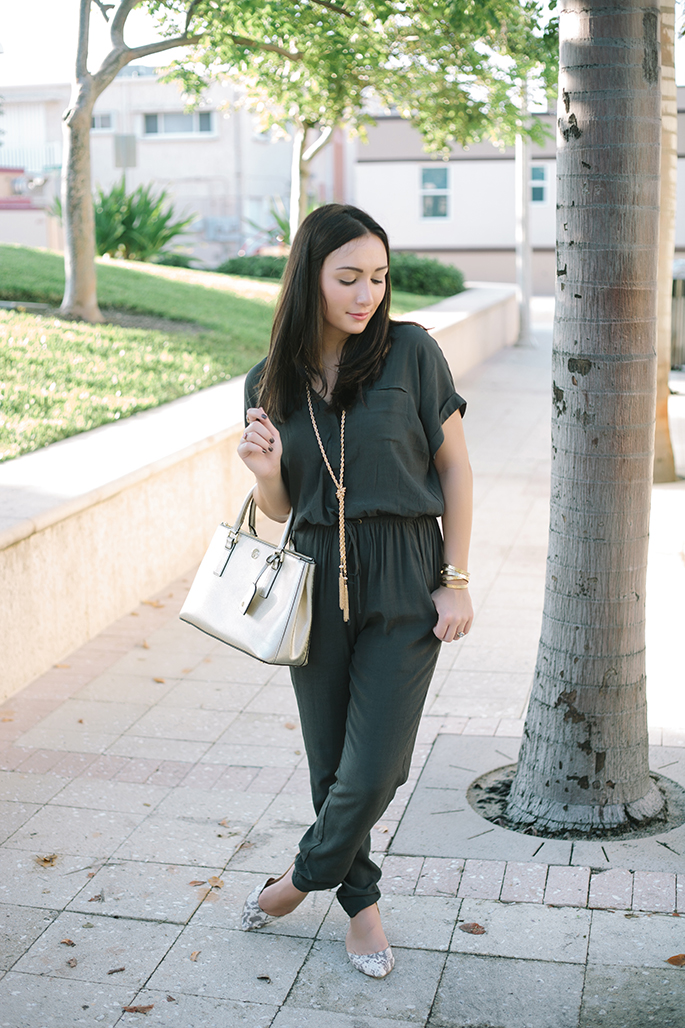 thefashionistasdiary+fall+olive+miamiblogger+baublebar+gold+toryburch