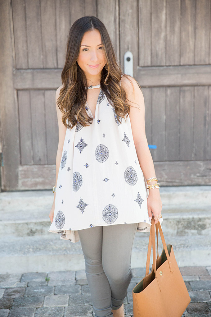 sleeveless-printed-blouse