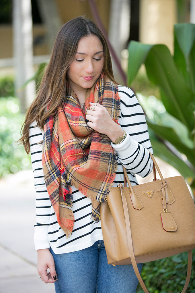 neutral-color-plaid-scarf