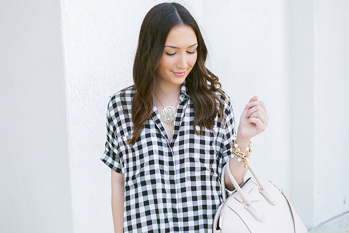 casual-black-and-white-plaid