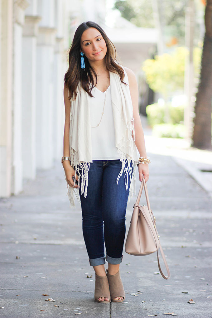 neutral-with-pop-of-color