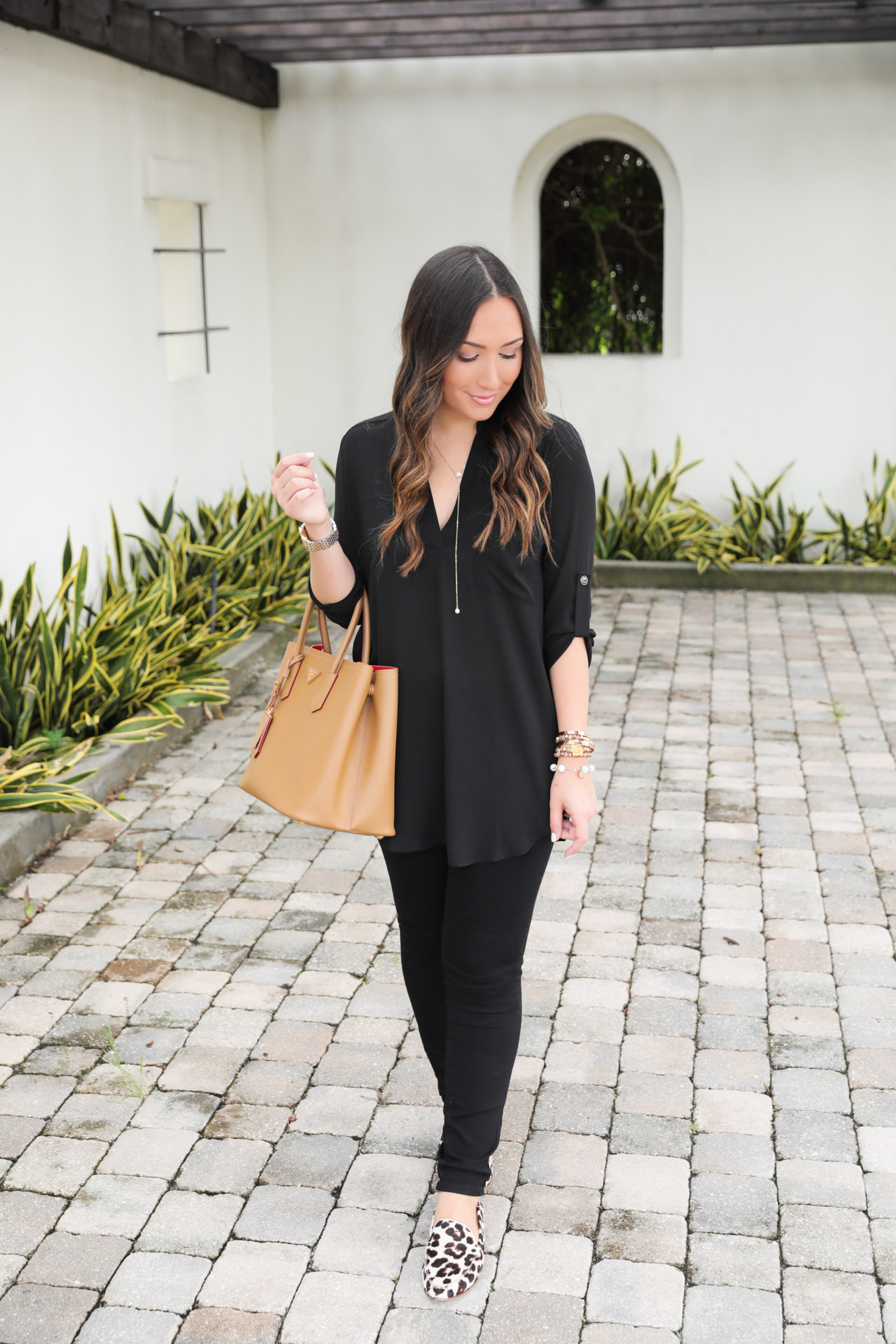 casual-all-black-outfit